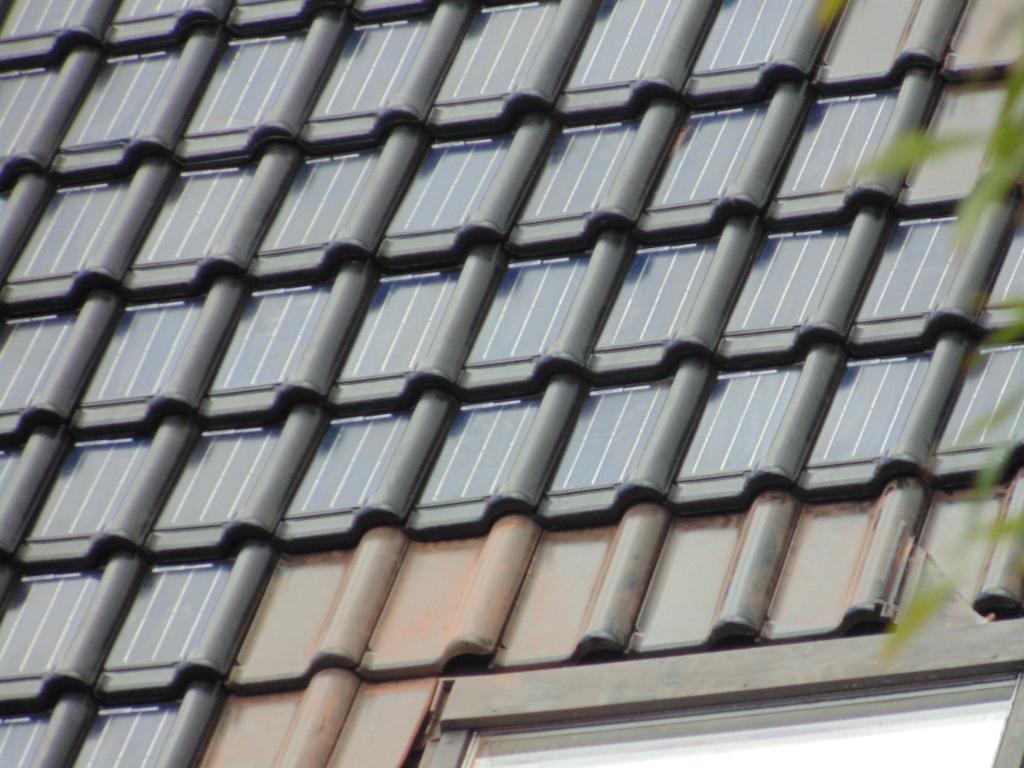 dakpannen met ingebouwde zonnepanelen